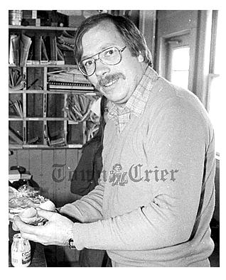stu-neilson-town-crier-1983